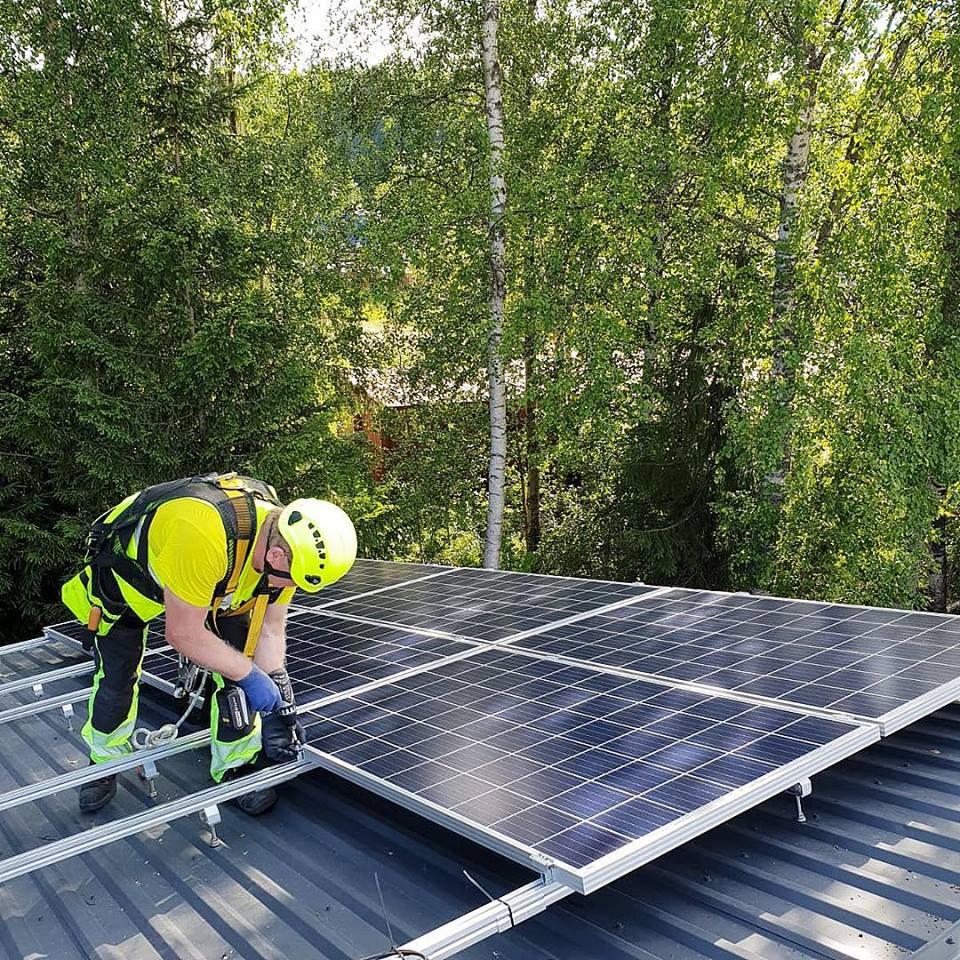 Aurinkosähkö sopimus yrityksille Elektroway